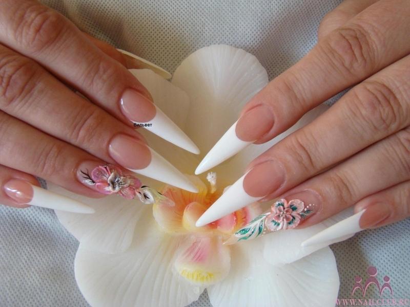 Острые ногти френч белый с рисунком